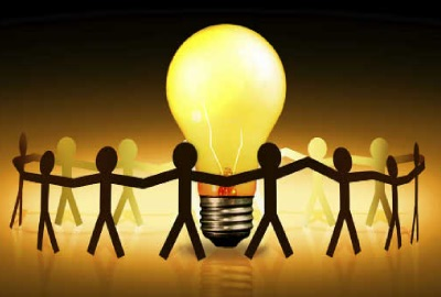 Image of stick figures holding hands encircling a light bulb depicting following steps of a meeting agenda.